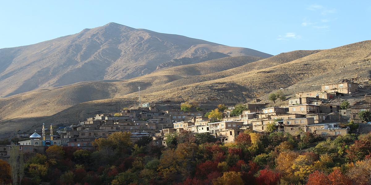 روستای زیبای دیزباد بالا
