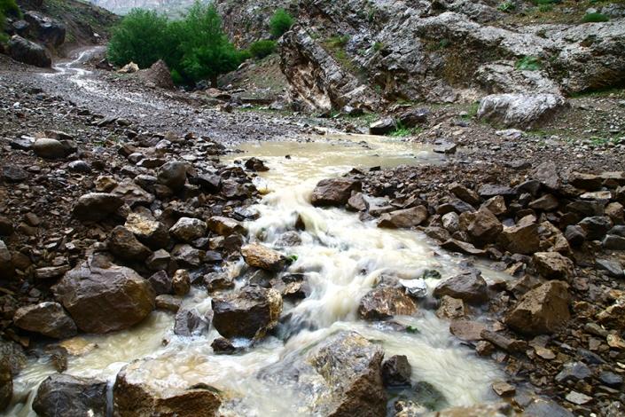 رودخانه فصلی روستای کریم اباد