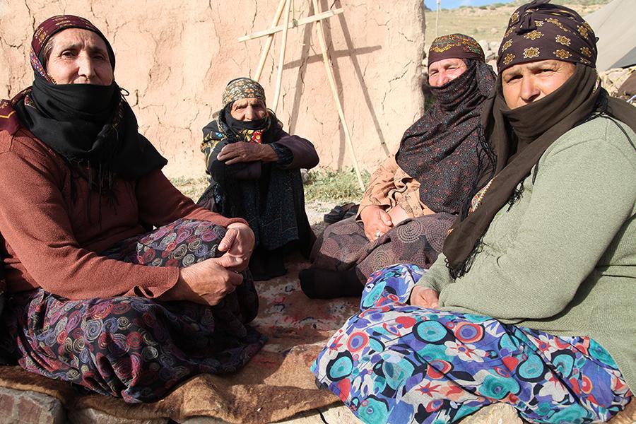 لباس محلی کرد های ساکن شهرستان مشهد