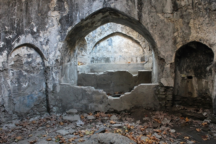 گرم خانه و خزینه حمام تاریخی روستای سربرج،حوالی رودخانه طرق