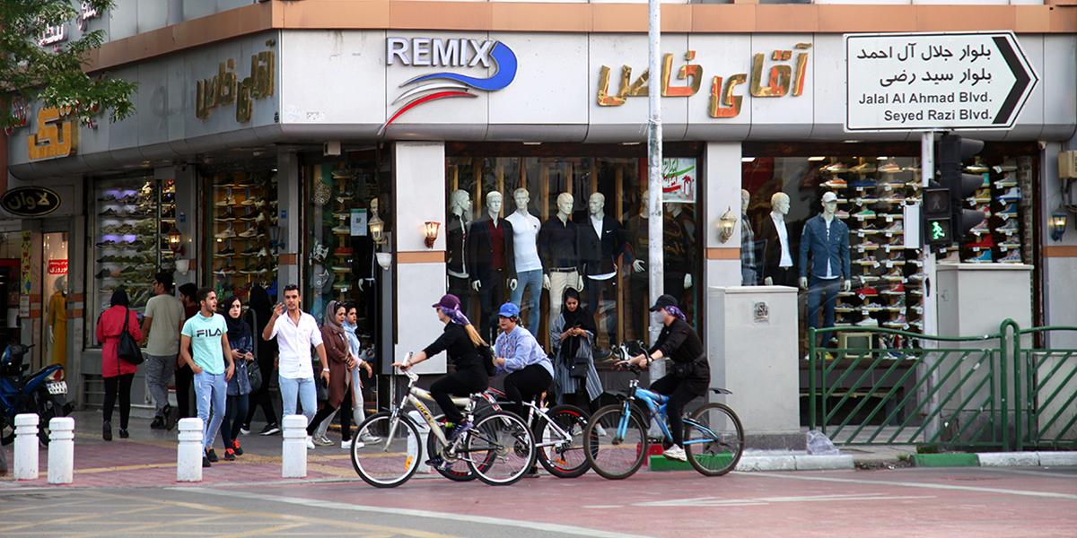 چهار راه ازادشهر،خیابان ازادشهر(امامت)،مرکز خرید،دیدنی های شهر مشهد