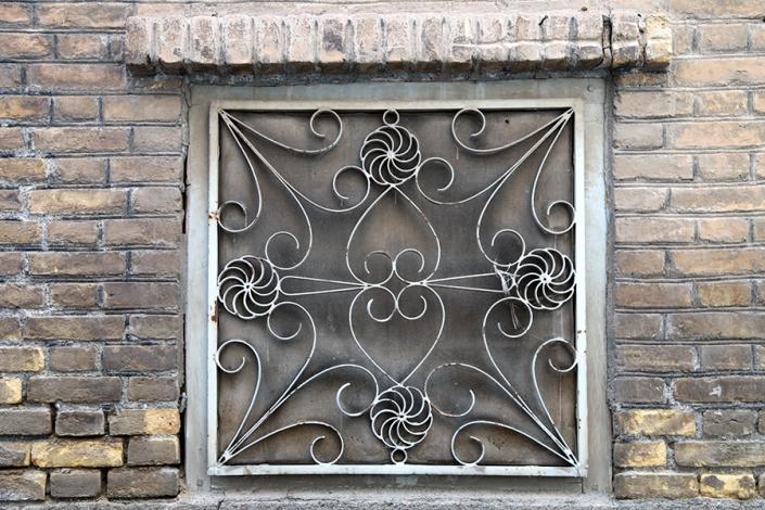 محله پاچنار،کوچه پاچنار،پنجره خانه قدیمی،کوچه های قدیمی مشهد،مناطق قدیمی مشهد،بافت تاریخی مشهد،قدیمی ترین محله های مشهد