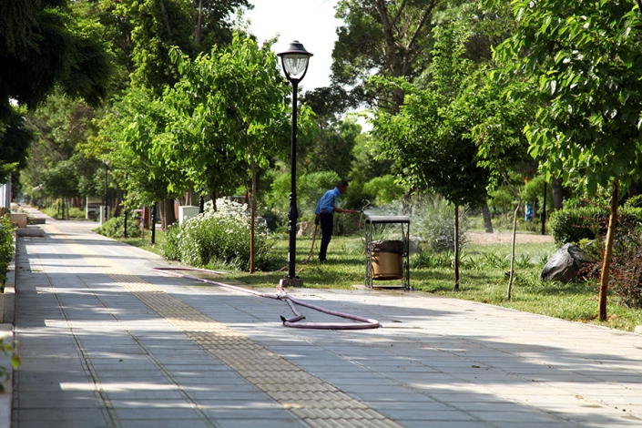 پارک خطی پرواز،بلوار فرودگاه،خیابان های معروف و قدیمی شهر مشهد،پارک ها و بوستانهای شهر مشهد