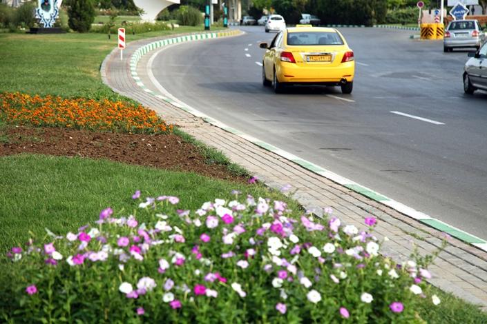 بلوار فرودگاه،خیابان های معروف و قدیمی شهر مشهد،پارک ها و بوستانهای شهر مشهد