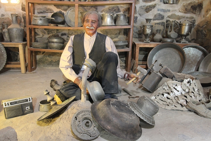 کاروانسرای ویرانی،رباط ویرانی،جاذبه های تاریخی فرهنگی شهر مشهد،جاهای دیدنی مشهد،طرقبه شاندیز