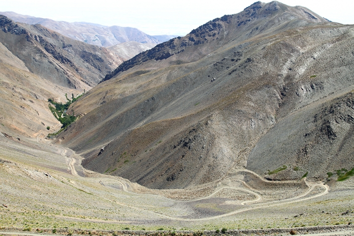 خط الراس رشته کوه بینالود،کوه های اطراف مشهد،جاهای دیدنی مشهد،تفرجگاه های مشهد،تفریگاه های مشهد،کوهنوردی، شیرباد بلندترین قله اطراف مشهد