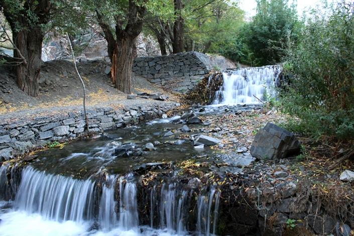رودخانه زیبای طرقبه