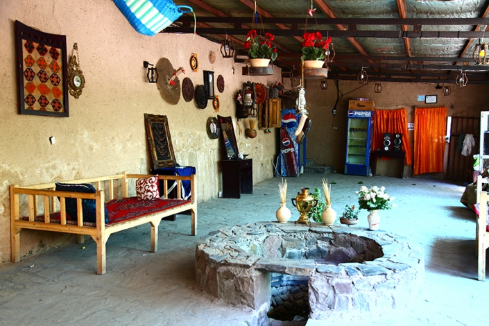 اقامتگاه بوم گردی با غذای سنتی
