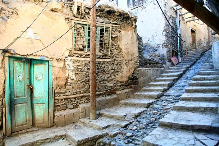 معابر روستایی سنگ فرش شده