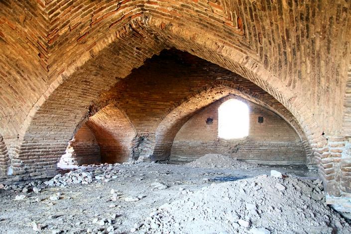 تالار داخلی حوض انبار میرزا عرب