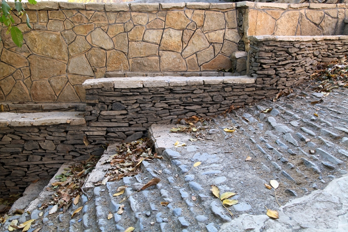 راه های سنگی روستای مایان