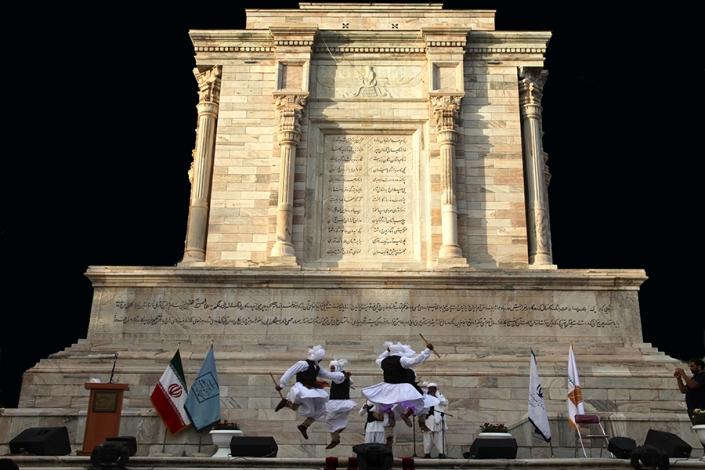 ارامگاه فردوسی،جاذبه های تاریخی فرهنگی شهر مشهد،جاهای دیدنی مشهد،شهر تاریخی توس
