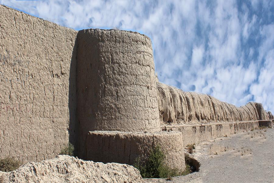 برج و باروی شهر تاریخی توس،جاذبه های تاریخی فرهنگی شهر مشهد،جاهای دیدنی مشهد