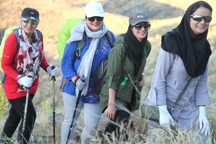 قله زو،کوه های اب و برق مشهد،کوه های اطراف مشهد،جاهای دیدنی مشهد،تفرجگاه های مشهد،تفریگاه های مشهد،کوهنوردی